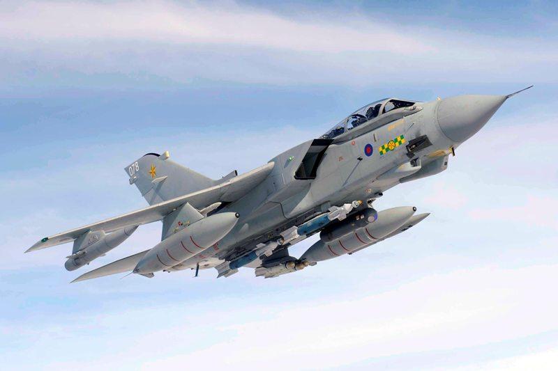 https: img.okezone.com content 2015 05 06 18 1145234 jet-tempur-inggris-dominasi-konflik-di-yaman-223oaL0TQn.jpg