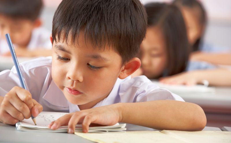 https: img.okezone.com content 2015 05 07 65 1146074 sekolah-internasional-wajib-lakukan-akreditasi-C48EDTv5KW.jpg