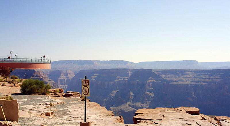 https: img.okezone.com content 2015 05 09 406 1147057 tempat-wisata-paling-berbahaya-di-dunia-0lnYFRrCDu.jpg