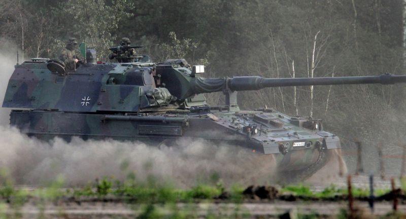Tank PzH2000 milik Jerman (Foto: AP)