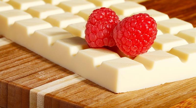 https: img.okezone.com content 2015 05 27 298 1155907 terbuat-dari-apakah-cokelat-putih-itu-NNbTHLtHJ4.jpg