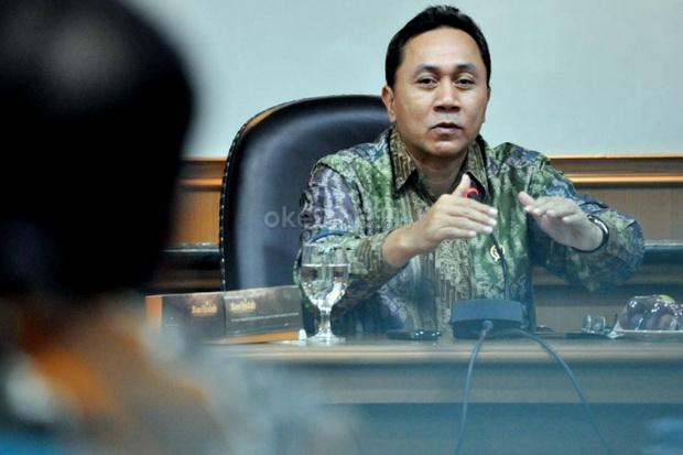 https: img.okezone.com content 2015 05 31 337 1158153 ketua-mpr-sindir-ulah-legislator-yang-hobi-lempar-kursi-25urAMBTbt.jpg