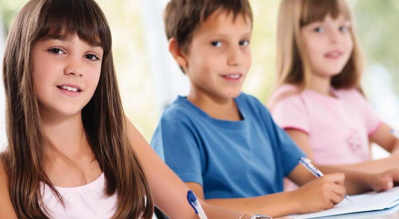 https: img.okezone.com content 2015 06 01 196 1158473 cara-cerdas-agar-anak-jadi-juara-di-sekolah-qyL5bzllBn.jpg
