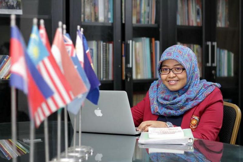 Lutfiya Al-Qarani mahasiswi UMM yang menjadi Presiden AYLA (foto: UMM)