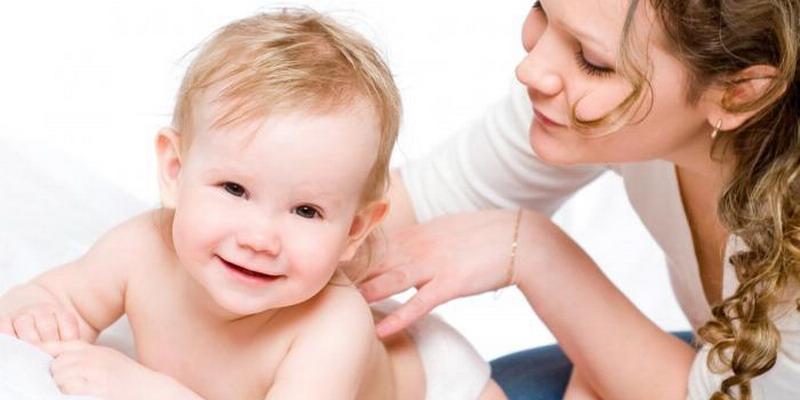 https: img.okezone.com content 2015 06 06 481 1161193 pijat-bayi-bangun-emosional-positif-dengan-ibu-4bLbspMWOL.jpg
