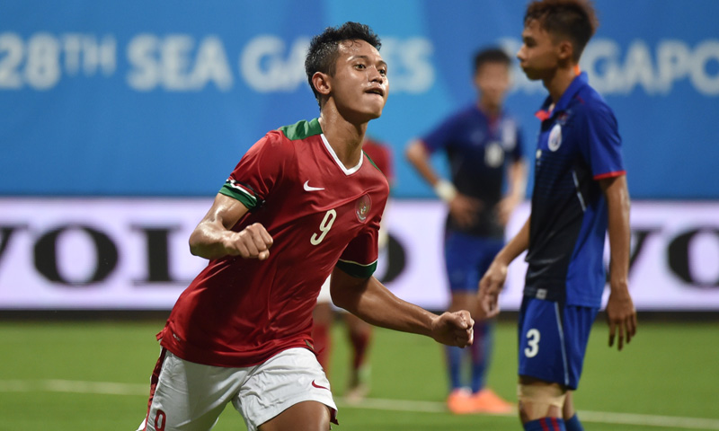 Muchlis Hadi Ning, penyerang Timnas U-23, saat mencetak hattrick lawan Kamboja ketika Indonesia menang 6-1. (Foto: Antara/Wahyu Putro)
