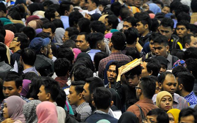 https: img.okezone.com content 2015 06 18 65 1167568 kualifikasi-pendidikan-angkatan-kerja-indonesia-buruk-Et7jemcvLY.jpg