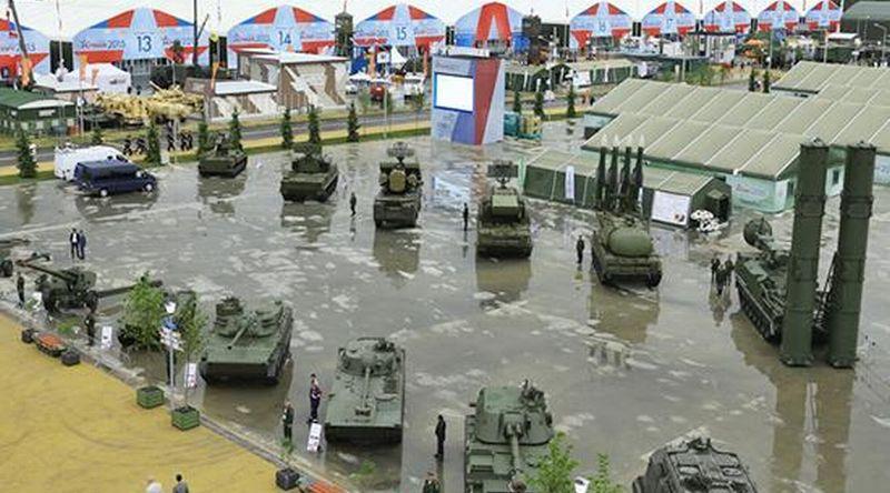 https: img.okezone.com content 2015 06 20 406 1168436 theme-park-militer-ala-rusia-qi8FLEXeBY.jpg