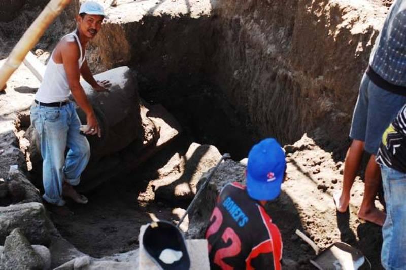 https: img.okezone.com content 2015 06 24 510 1170315 arca-sapi-ditemukan-di-kedalaman-enam-meter-AIyPvyl6Tw.jpg