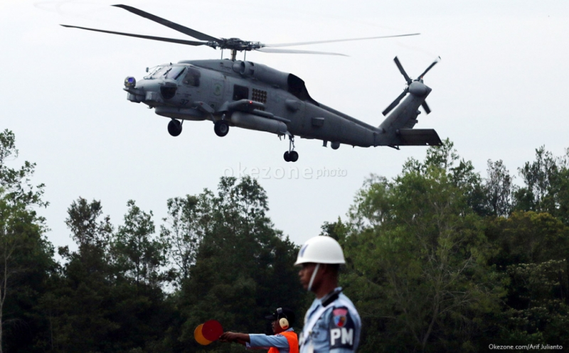 https: img.okezone.com content 2015 06 30 337 1173527 sanksi-ringan-helikopter-malaysia-mudah-bersliweran-gSjpyAye97.jpg