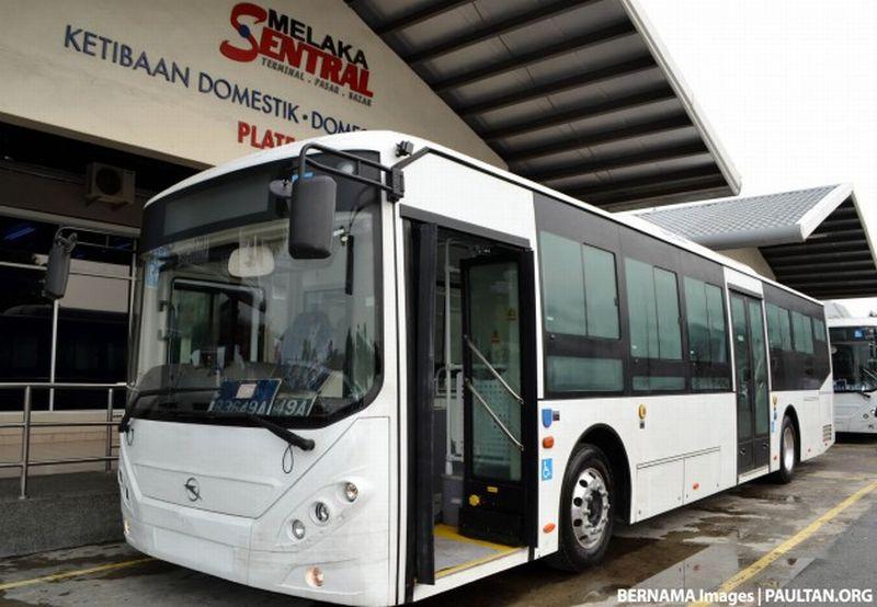 \Transjakarta Harus Secanggih Bus Malaysia\