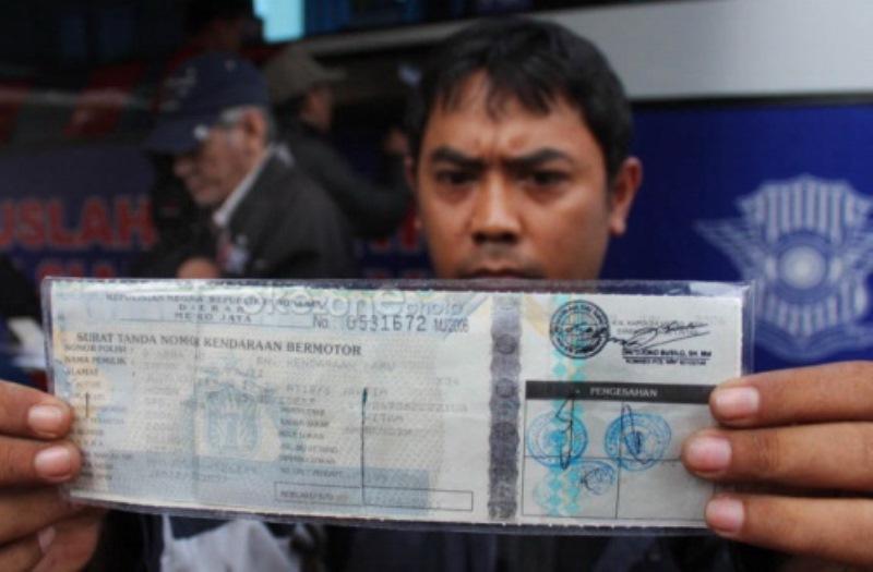 Ramainya Calo di Kantor Samsat Pekanbaru : Okezone News