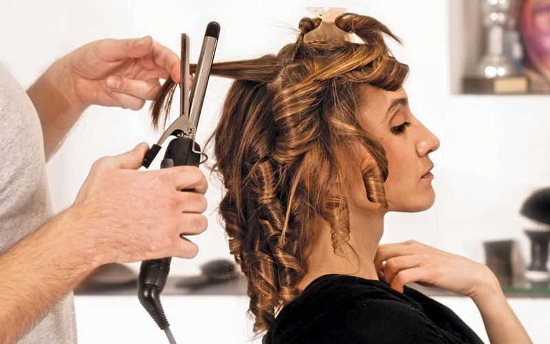 https: img.okezone.com content 2015 07 30 194 1187786 tiga-jenis-perawatan-rambut-asia-sedang-tren-tL5RVjByF6.jpg