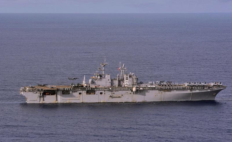 Kapal Perang Amerika Bersandar di Bali
