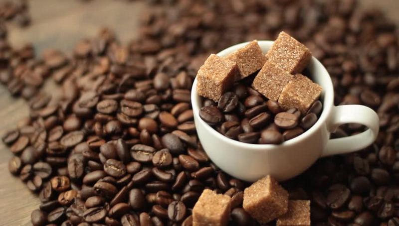 https: img.okezone.com content 2015 08 06 298 1191820 brown-sugar-cocok-sebagai-pemanis-minuman-kopi-18O5cxpwZv.jpg