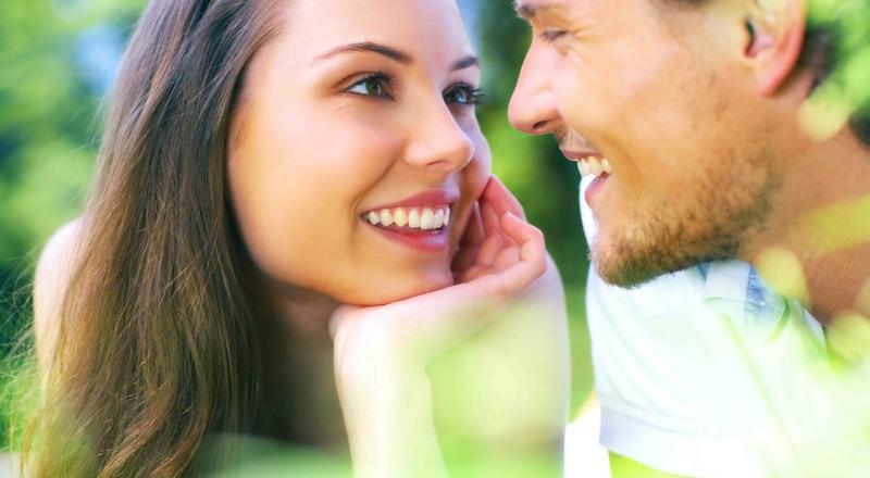 https: img.okezone.com content 2015 08 07 196 1192394 tiga-hal-bikin-seseorang-terlibat-cinta-lokasi-kDDMldQy4e.jpg