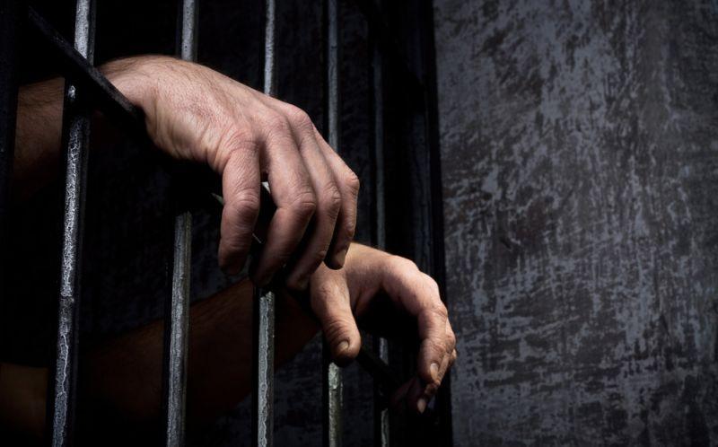 https: img.okezone.com content 2015 08 08 340 1192713 sakit-perut-tahanan-narkoba-polres-karo-tewas-DB1GawkxxC.jpg