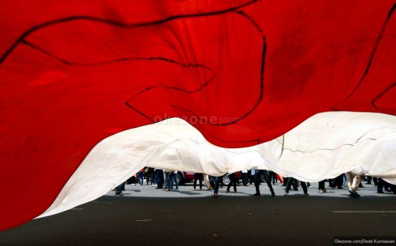 Tiga Bendera Merah Putih Diturunkan Di Perbatasan Ri Png Okezone News