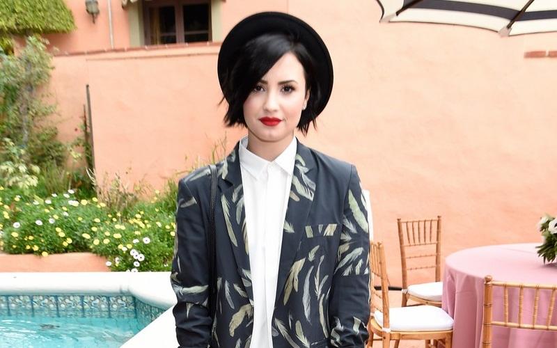 Perubahan Warna Rambut Demi Lovato Okezone Lifestyle - Gaya rambut pendek demi lovato