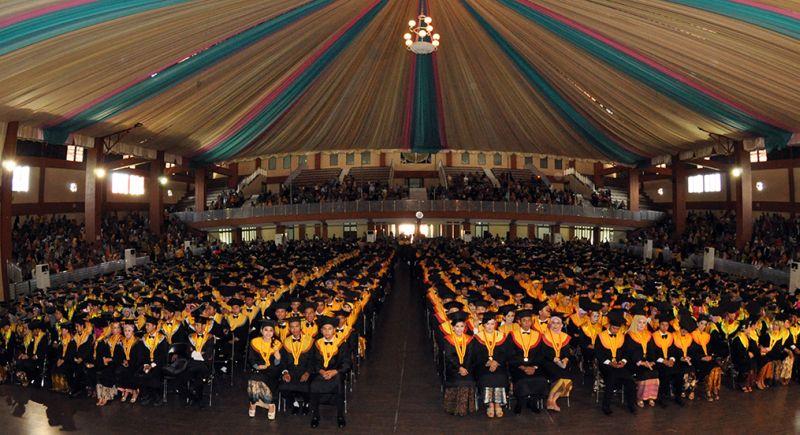 https: img.okezone.com content 2015 08 21 65 1200375 ajakan-ngumpul-untuk-alumni-unsoed-iaU3s1mbXn.jpg