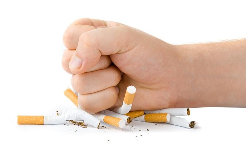 https: img.okezone.com content 2015 08 24 481 1201564 berhenti-merokok-bakal-menambah-berat-badan-Ny1MotwzoD.jpg