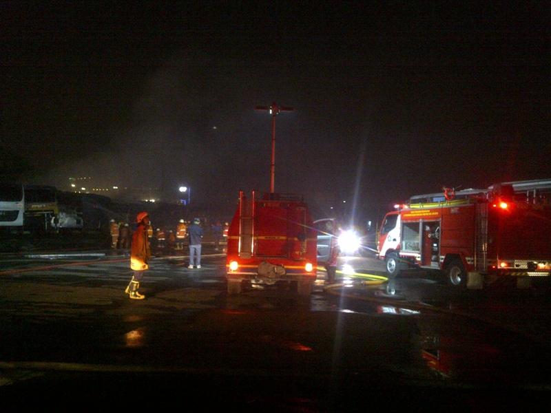Kebakaran di Pangkalan Transjakarta Padam, Belasan Bus Hangus