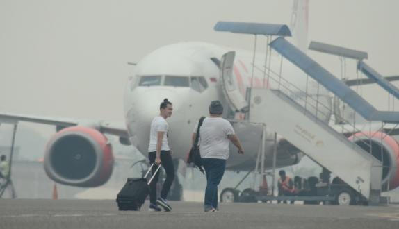 Hindari Kabut Asap, Garuda <i>Delay</i> di Balikpapan