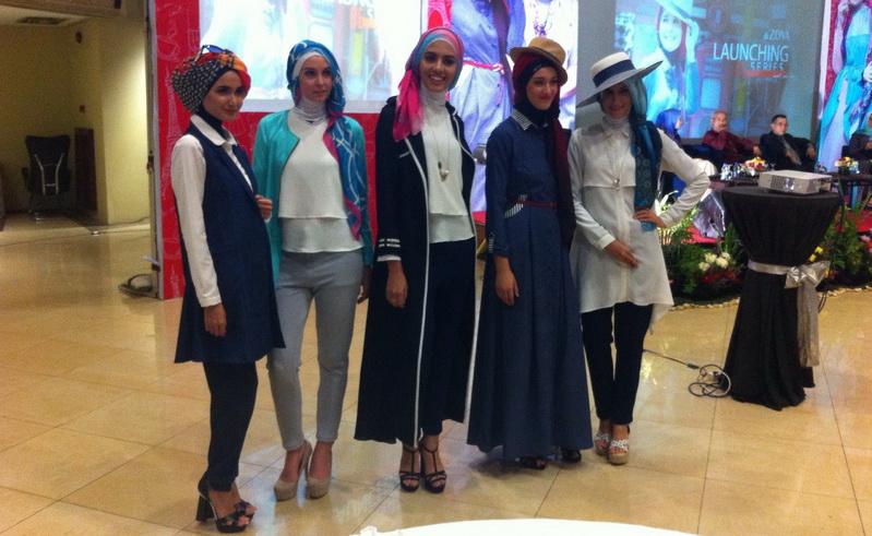 Koleksi Terbaru Hijab Laudya Cynthia Bella Fashion Okezone Lifestyle