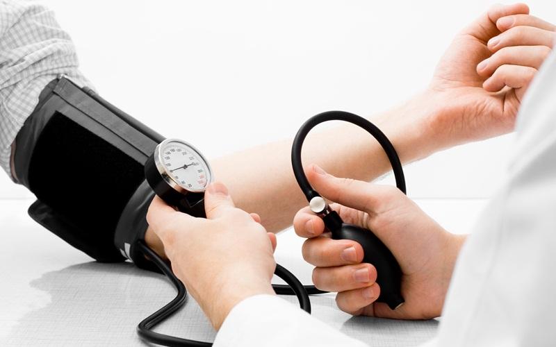 https: img.okezone.com content 2015 09 16 481 1215470 berapa-jumlah-kolesterol-normal-dalam-tubuh-v9JkYED4Bv.jpg
