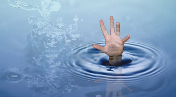 https: img.okezone.com content 2015 09 18 525 1216905 siswa-smp-tewas-tenggelam-di-sungai-cicatih-dWuflx9YGy.jpg