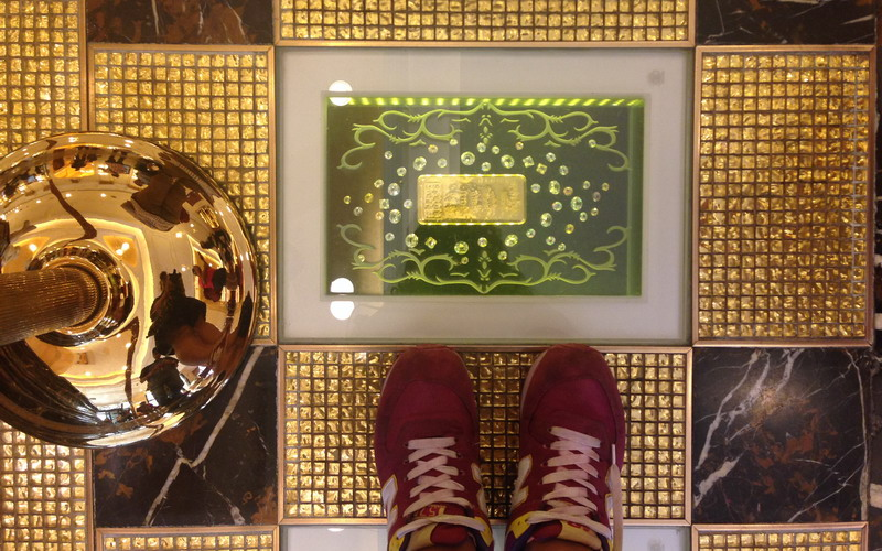 Di Macau Turis Bisa Injak Emas Batangan Okezone Lifestyle