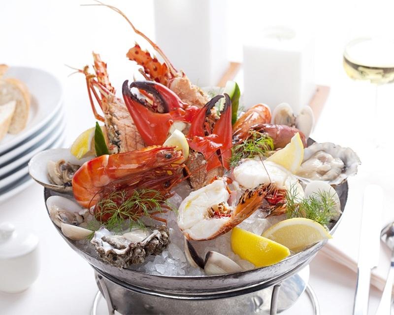 https: img.okezone.com content 2015 10 02 298 1224820 brunch-lezat-di-c-s-steak-and-seafood-restaurant-yZIbvxovk9.jpg
