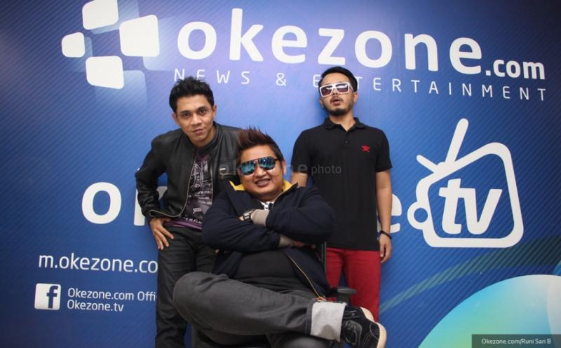 https: img.okezone.com content 2015 10 02 33 1225273 st12-bangga-jadi-duta-kereta-api-indonesia-rQevSZQTYq.jpg