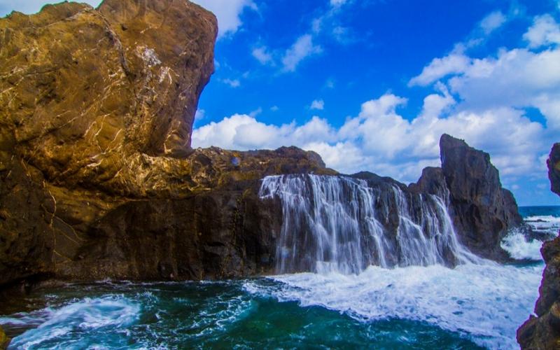 Image result for pantai nambung lombok