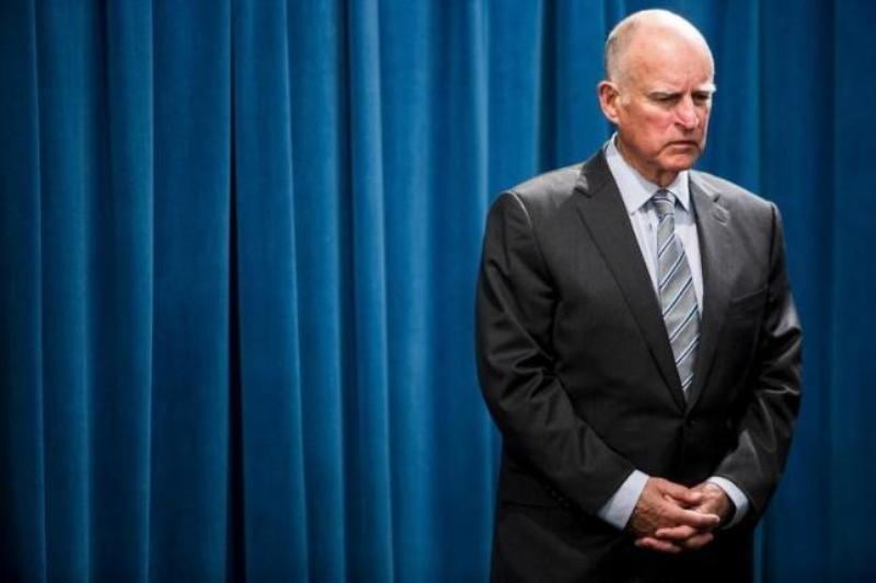 Gubernur California, Jerry Brown, akan melegalkan suntik mati (Foto: Reuters)