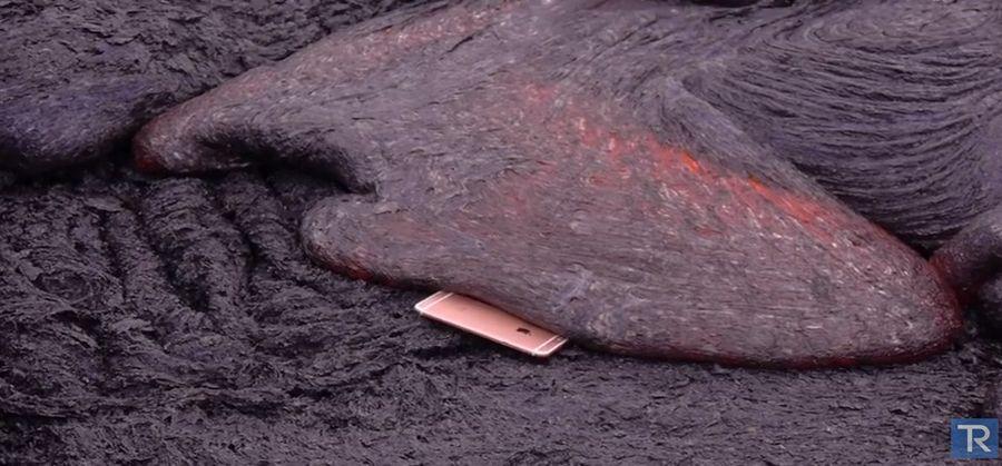https: img.okezone.com content 2015 10 10 57 1229666 video-uji-ketahanan-iphone-6s-dijatuhkan-ke-lava-bVzQ0biqly.jpg