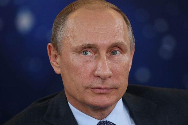 Presiden Rusia Vladimir Putin, mengejek pemerintahan Barat dengan mengatakan serangan mereka tidak membuahkan 'hasil' (Foto: Mirror)