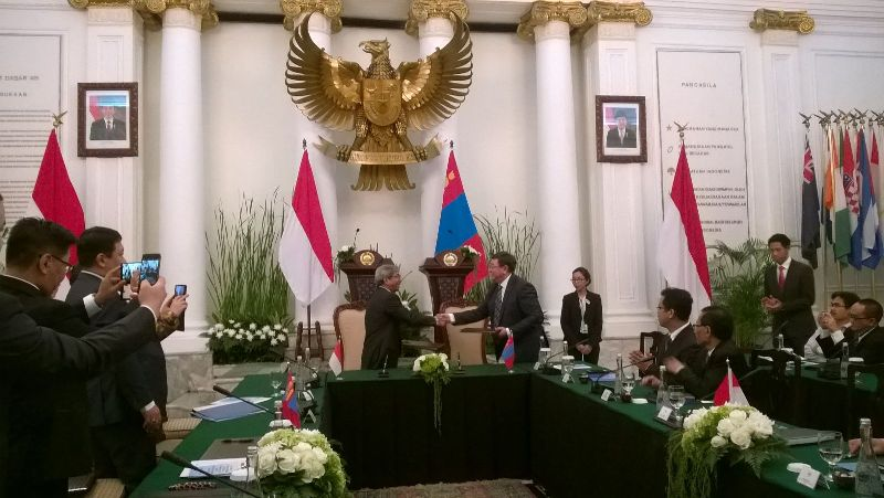 https: img.okezone.com content 2015 10 21 18 1235551 tiga-bidang-utama-kerja-sama-indonesia-mongolia-AnIO9SyS5c.jpg