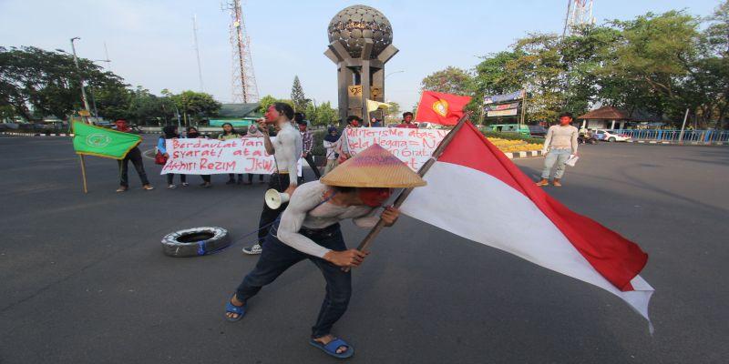 Demo Satu Tahun Jokowi di Tangerang (Foto: Hambali)