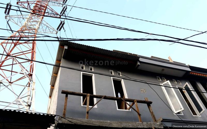 Tinggal di Sekitar SUTET, Warga Sering Kesetrum : Okezone News
