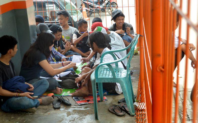 https: img.okezone.com content 2015 10 28 65 1239404 jiwa-sosial-pemuda-indonesia-memudar-3KJzdnTkPw.jpg