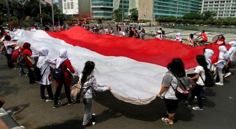 https: img.okezone.com content 2015 10 29 65 1240138 menumbuhkan-ikatan-berbahasa-indonesia-wcMVvXpuHV.jpg