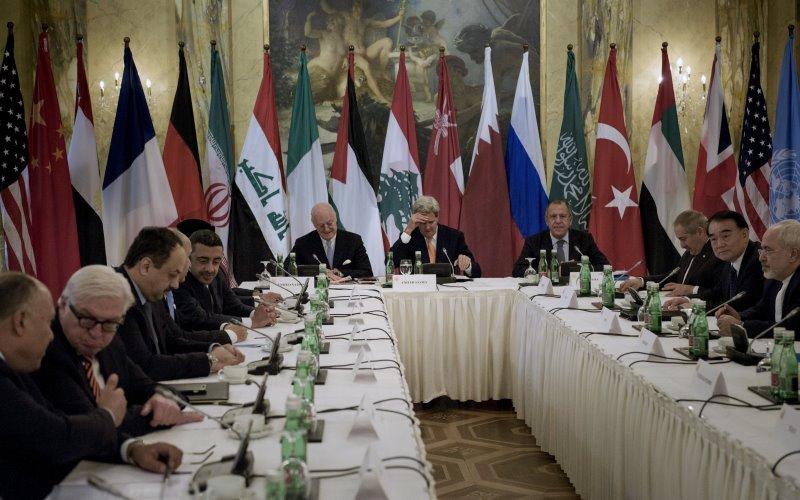 Pertemuan delapan jam di Wien, Austria, untuk membahas krisis Suriah (Foto: Brendan Smialowski/REUTERS)