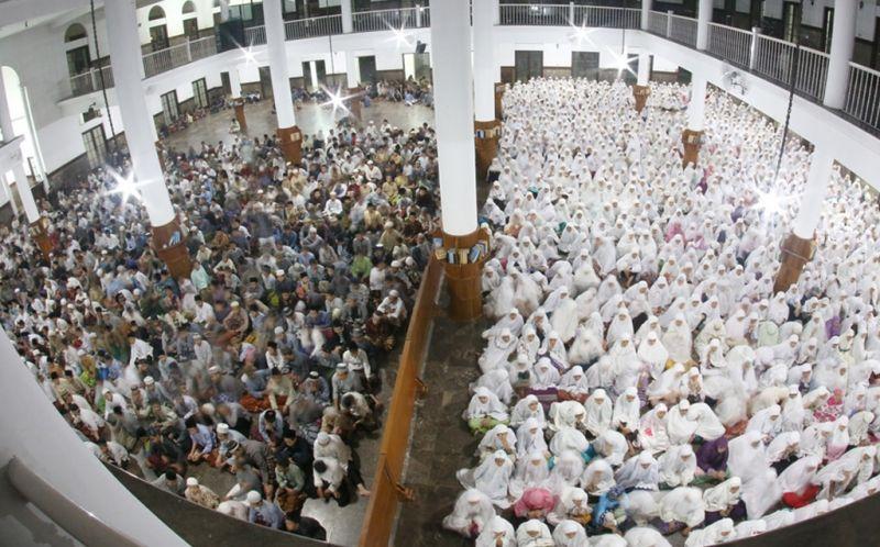 https: img.okezone.com content 2015 11 04 65 1243340 tujuan-pendidikan-agama-islam-di-indonesia-uzgt0RoiRl.jpg