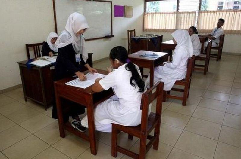 https: img.okezone.com content 2015 11 05 65 1244015 pendidikan-agama-di-indonesia-berbeda-dengan-negara-lain-fBHhtGlzdl.jpg
