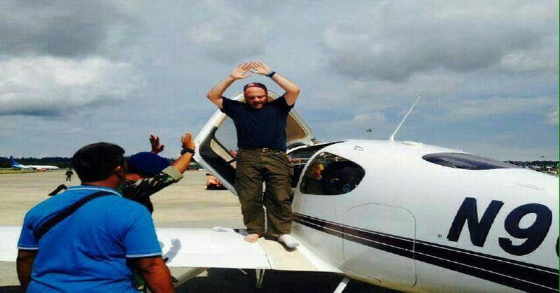 https: img.okezone.com content 2015 11 09 340 1246451 masuk-indonesia-tanpa-izin-pilot-alasan-cuaca-buruk-B7dd812i5T.jpg