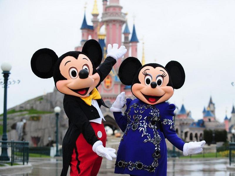 https: img.okezone.com content 2015 11 18 406 1251655 fakta-mickey-mouse-pernah-mogok-di-disneyland-paris-X8b4nLrJs4.jpg
