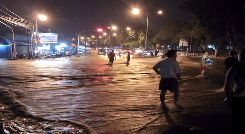 pertigaan Hek Kramat Jati banjir (Foto: TMC Polda Metro Jaya)