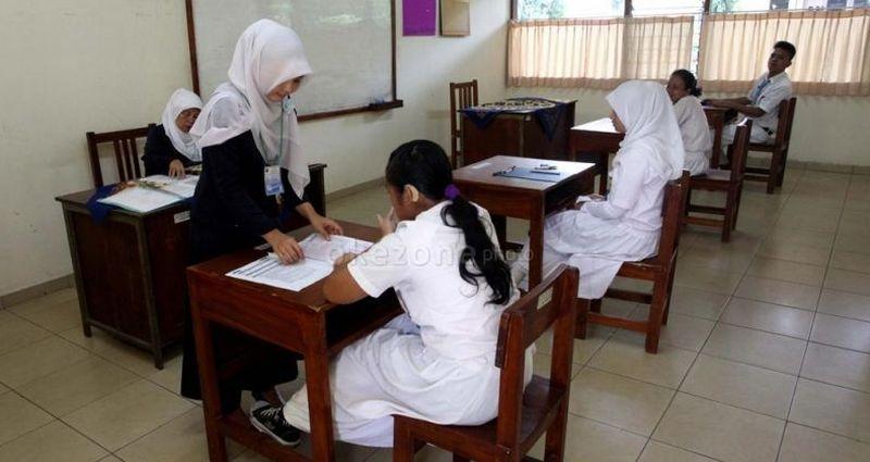 Diharapkan dengan adanya tunjangan, guru bisa meningkatkan kualitas mereka. (Foto: Dok. Okezone)