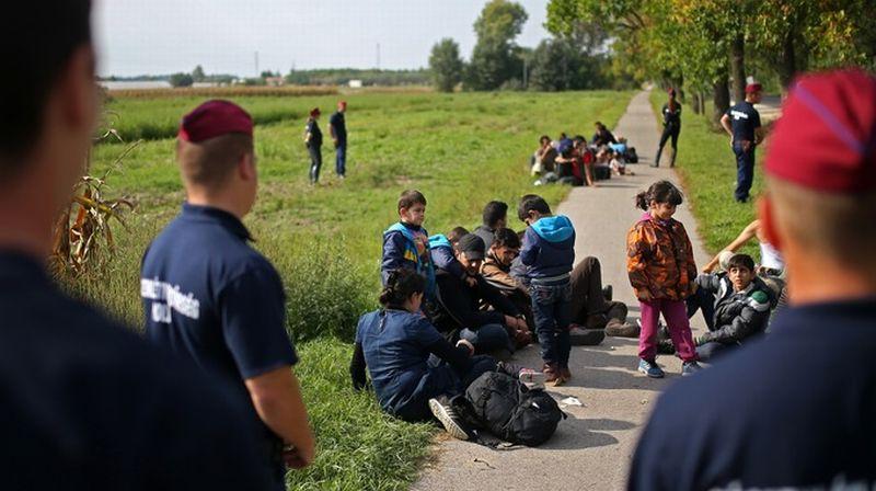 https: img.okezone.com content 2015 12 08 18 1262982 nyaris-sejuta-imigran-masuk-ke-jerman-Td0FsCn7Uj.jpg